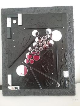 Travail de mosaïque de verre, métal, miroirs, pigments à la chaux où Pascale Villegas