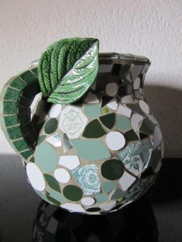 Pot en mosaïque par Pascale Villegas, mosaïste